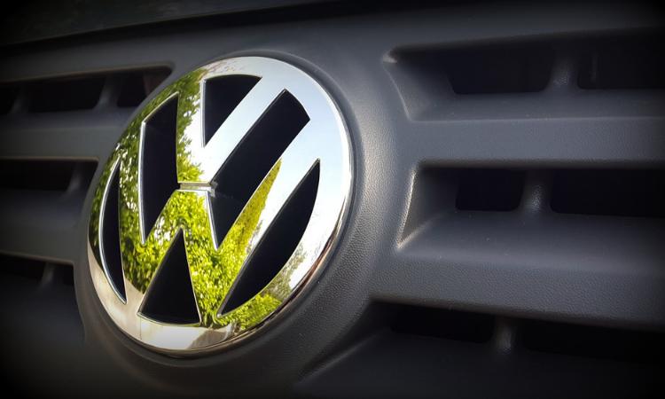 Jak zarejestrować i wyrejestrować samochód w Niemczech?